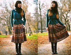 Anna Moore - H&M Sweater, Vintage Blouse, Scarf, Skirt, Pimkie Belt, Boots, Accessories - From museum