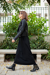 Carla D. - Zara Jaquet, Marc By Jacobs Sunglasses - Total Black