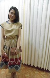 Syuri Khodijah Nurjanah - Batik Clutch, Gede Bage Bandung Pattern Dress - Goin' To Wedding Party