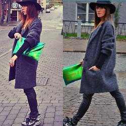Maja Stankovic - H&M Bag, Gina Tricot Coat, H&M Pants, H&M Hat - Keep walking..