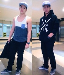 Biboy Cabigon - Cotton On Tank Top - Why you looking at me?