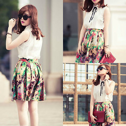 Xu Sophie - Floral Dress, Leather Clutch Bag, Glasses - I'm falling for you