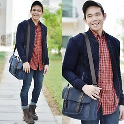 Lo Pascual ⚓ - Zara Cap, Shirt And Jacket, Ted Baker Satchel, Iconic Boots - Hey! It's Still Me! :D