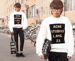Judas Lee - Acne Studios Beta Logo Sweatshirt, Acne Studios Rumor Leather Logo Tote, Cheap Monday Skinny Jeans, Dr. Martens Dr.Martens Pony Hair Oxfords - LOGOMANIA (new blog!)