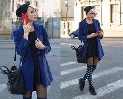 Gina Vadana - H&M Hat, Max Mara Blazer, Liu Jo Bag, H&M Socks, H&M Sneakers, Claire's Ring, H&M Rings, Mango Dress - THE BLUE TOUCH