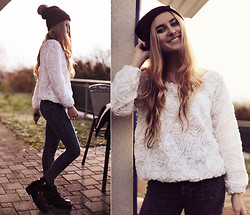 Jessica Christ - Lookbook Store Rose Sweater, #304 Clothing Pom Pom Beanie, Fizzen Jeans, To Be Announced Felony - Artpop.