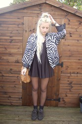 Nicola Boraston - American Apparel Dress, Vintage Zebra Print Bomber, Vintage Tan Tooled Bag, Underground Creepers - ANIMAL PRINTS