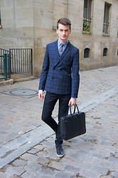 Nino V. - Burberry Brit, Selected Knitted Tie, Sisley Double Breasted Jacket, Filippa K Black Jeans, Burberry London Briefcase, Jimmy Choo Portman Sneakers - The streets of Paris