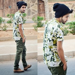 HAMID KHOUYI - Vintage Floral, H&M Army, Vintage Wissart, Simplywear Black - IT'S MY BIRTHDAY