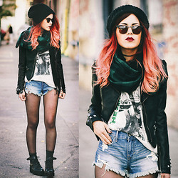 Lua P - Abercrombie Shorts, Pretty Attitude Jacket, Vint And York Sunglasses - The Smiths.