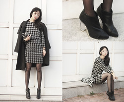 Lan Choi -  - Hound's tooth plaid skirt suit, perspex heel boots by ARTFIT