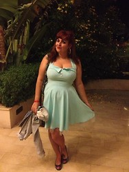 Jodie Marie Davey - Pin Up Dress, Denim Jacket, Pumps, Hippy Bag, Earrings, Victory Rolls - Pin up in Egypt