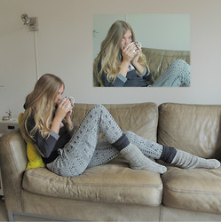 Josca . - Primark Sweatpants, Primark Sweater, Hema Wool Socks - Lazy Sunday