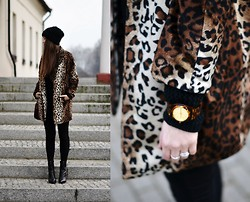 Kasia Szymków - Reserved Coat, Vagabond Shoes - Leopard coat #2