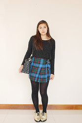 Kyra J - Topshop Gold Oxfords, Gucci Tartan Skirt, Christian Dior Quilted Purse, Topshop Speckled Top - Pop and Shine