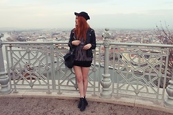 Elisa Line - Topshop Shoes, Second Hand Sweatshirt, Second Hand Jacket, Zara Bag - Budapest view