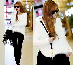 Seung Yeon - Itsmestyle Py 06688 Angora Round Op St, Itsmestyle Py 06689 Wool Blanket Black Skinny Jeans Pt St - Chic and sexy