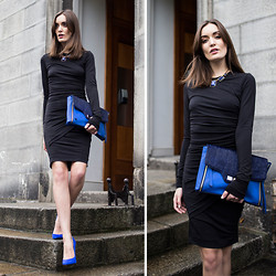 Anouska Proetta Brandon - Gat Rimon Dress, Marciano Bag - Blue Touch.