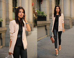 Annabelle Fleur - Truth & Pride Blazer, Rich & Skinny Jeans, Bcbg Bag - BLUSH N' BLACK