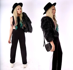 LUNA LOVEBAD - Shop Akira Two Tone Backless Jumper, Michael Kors Faux Fur Chubby Coat, Howl And Horn Spiked Leather Camera Bag - YOU SHOULD BEWARE OF A WOMAN WITH A BROKEN HEART