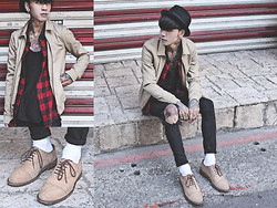 IVAN Chang - Asos Harrington Jacket, Vintage Plaid Shirt, Asos Black Vest, Topshop Black Skinny, While Oxford Shoes, New York Hat Black - 231113 TODAY STYLE