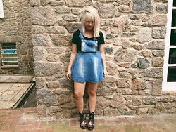 Karina Camargo - Dr. Martens Dr, Denim Overall, Topshop Crop Top Black - Outside is beautiful