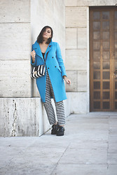Flaviana B. - L'autre Chose Coat, Zara Trousers, Underground Shoes, Asos Bag - TURCHESE