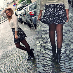 Pauline Gandolfini - Urban Outfitters Top, H&M Print Skirt, Jonak Boots - The girl next door