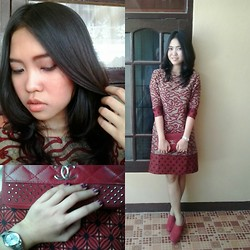 Syuri Khodijah Nurjanah - Istana Sepatu Pump Wedges, Casio Watch, Chanel Wallet - Homemade Dress by @syurikn <3