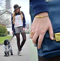 Jessica N. - Dog Willi, Coutie Sweater, Shebijou Jewellery - Vintage Flower