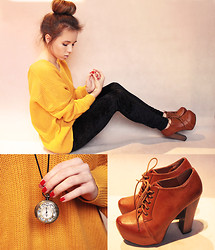 Wioletta Mary Kate - Choies Sweater, Stylowe Butki Boots - Mustard Sweater