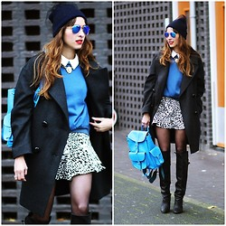 Virgit Canaz - Grafea Rucksack, Tb Dresses Sweater, Zerouv Mirror Sunglasses - Blue time