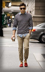 O C - J. Crew Chambray Shirt, Prada Pants, Tod's Shoes - Starbucks
