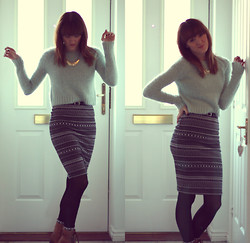Beth Kennett - Topshop Green Cropped Jumper, New Look Midi Skirt, Primark Black Tights - I'll Be Waiting By The Door For You.