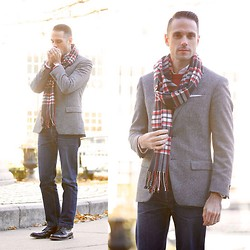 Brian Sacawa - Banana Republic Scarf, Brooks Brothers Blazer, A.P.C. Jeans, Allen Edmonds Boots - Toss it