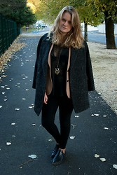 Andréa Gilbert - Mango Oversize Coat, Claudie Pierlot Blazer, The Kooples Tee, Zara Jeans, S E N O Senso Boots - Sunday outfit
