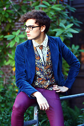 Jake Gonnella - Elie Tahari Blue Velvet Blazer, Gap Leaf Pattern Frill Button Down - Under My Thumb