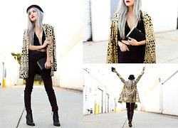 Eugénie Grey - Nasty Gal Alex Bowler Hat, Nasty Gal Party Isn't Over Sequin Blazer, Nasty Gal Bordeaux Coated Skinny Jeans, Nasty Gal Shadowbox Clutch - The Perfect 10