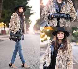 STYLISSIM . - Vintge Fur, Proenza Schouler Bag, Zara Gloves - FUR, LEATHER AND ZIPS