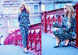 Darya Yakovleva - Zara Suit, Asos Shoes - ON THE BRIDGE