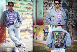 Andrea Cofrancesco - Reebok Pump Twilight Zone, Unknown 90's Oversized, Aztec Patterned T Shirt, Levi's® Levi's Customized Denim Jacket, Levi's® Levi's Customized Denim Jacket (Back), Levi's® Levi's 550 Acid Wash Tapered Leg - Custom Walshey Style