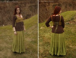 Branna Laurelin - Greencotton Long Circle Skirt, Hand Me Down Cotton Top, Self Made Linen Reversible Short Top - The Earth is my Mother
