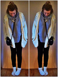 Louise Christiansen - White Bubbleroom Cardigan, Cross Necklace, Grey Berton Baggy Tshirt, Round Black, Black Velvet Leggins   Ruth And Cirle, White Floffy Socks - ¤ FLOFFY SOCKS ¤