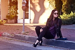 Marta Pozzan - Anine Bing Black Leather Jacket, Equipment Signature Dot Print Blouse, True Religion Womens Casey Super Skinny Overdye Cargo Pant, Vince Camuto Suede Pumps, Warby Parker Jasper Sunglasses - Black Friday