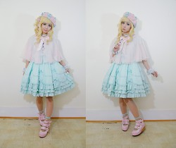 Lovely Blasphemy - Princess Dreaming Beret, Princess Dreaming Necklace, Princess Dreaming Wrist Cuffs, Angelic Pretty Dolce Op, Angelic Pretty Sweet Whipped Shoes, Chocomint Star Clip, Gothic Lolita Wigs Spiral Collection   Blondie - Mint and Pink
