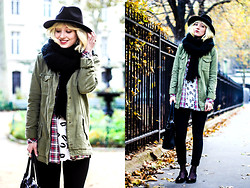 Olivia Taylor - Zara Scarf, Milly Leopard Top - Casual Winter Layers