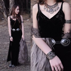 Cindy Teng - Urban Outfitters Necklace, Vintage Cuff - Black Velvet