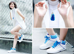 Bea Benedicto - Angel Strings Agate Pendant, World Balance Brenda Sneakers - Cosmonaut