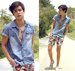 Vini Uehara - Choies Shorts, Vesst Shoes, Lunender Jeans Shirt - A world alone