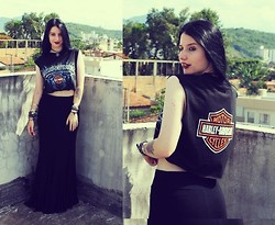 Rokaia MAB - Monsters Of Rock Harley Davidson Cropped, Gata Bakana Skirt - It's better to burn out than to fade away.